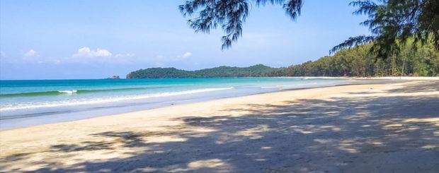 tailand-pljazh-bezljudej-kopajam-ostrov